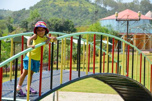 weekend fun at mantra hill resort